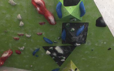 Neue blaue Boulder
